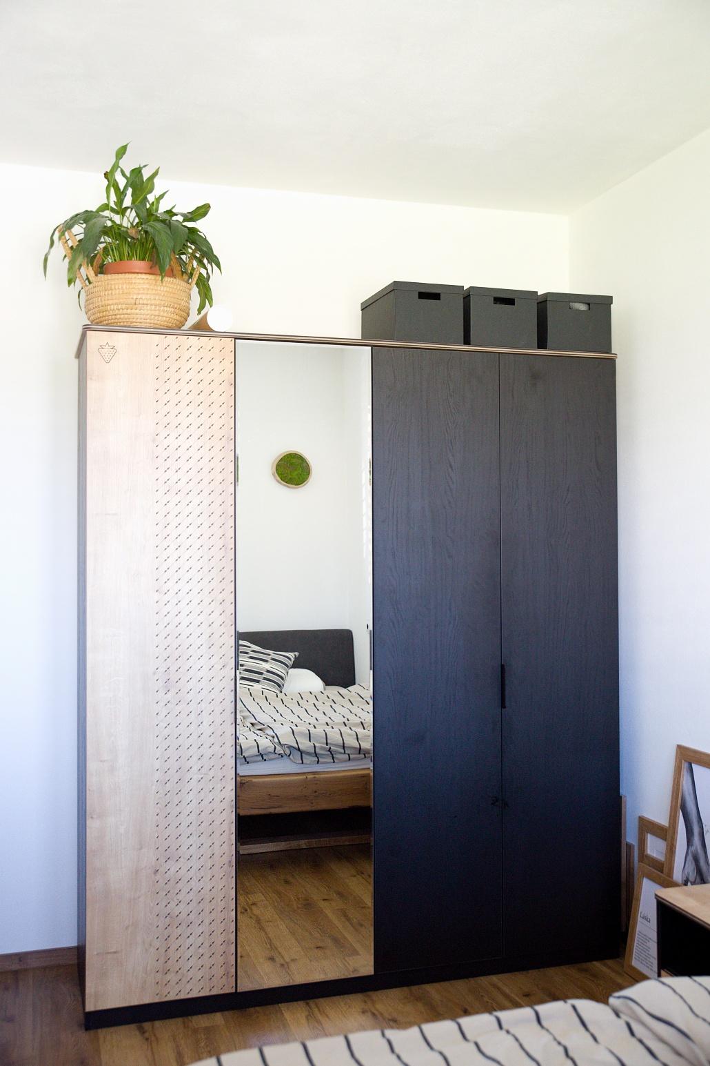 skříň do ložnice